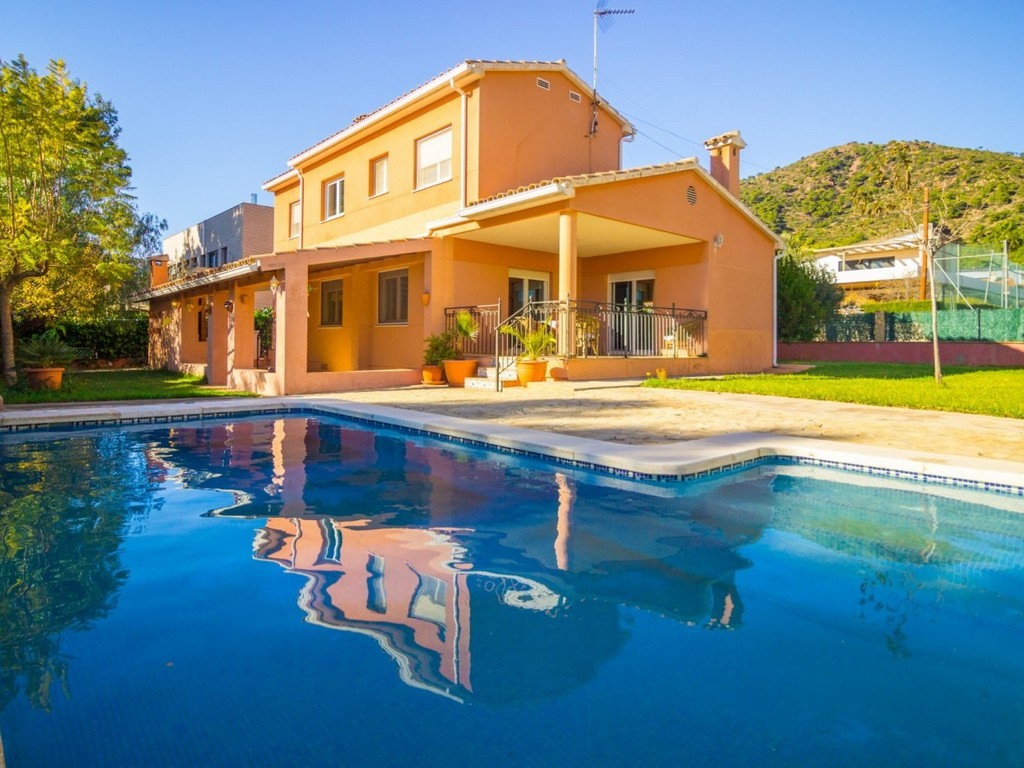 Chalet independiente con piscina en montornés, benicasim. 385.000 - imagenInmueble